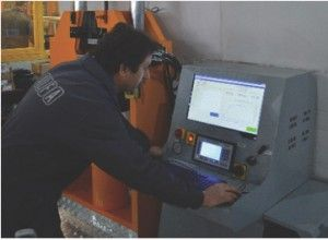 UTM-001-LCD (2)